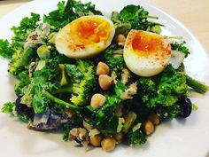 Salad porn 😍 Ready? Mackeral egg olives tofu kale spinach spring onion chickpeas brocolli green beans avocado lemon juice wholegrain mustard aaaaand breathe 🙂  #lunch #lunchtime #healthyfoodshare #healthylifestyle #healthyrecipes #health #healthy #foodie #foodpics #veg #eatwell #goodforyou #nourish #foodie #foodoholic #plantbased #lifestylechoice  #nourish #eatwellnotless #strongnotskinny #foodstagram #foodblogger #instafood #foodblog #salad #saladpics #saladporn  Yummery - best recipes…