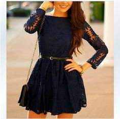 Slim long-sleeved lace dress