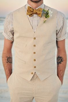 We love this relaxed look for the groom!