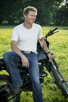 Craig Morgan's was not a fan before I saw him but now am he was great in concert and had nice voice. (x1)