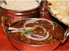 Looking for an authentic Indian restaurant or great indian food to take away? Look no further than Little India, New Zealand's favourite Indian restaurant and takeaway. Indian Food Recipes, Chili, Soup, Beef, Restaurant, Dining, Hands, Meat, Food
