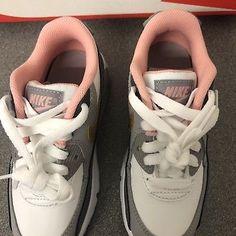 Air Max 90, Nike Air Max, Pink Nikes, Sneakers, Shoes, Fashion, Tennis, Moda, Slippers