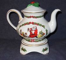 """Franklin Mint """"The night before Christmas teapot"""""""