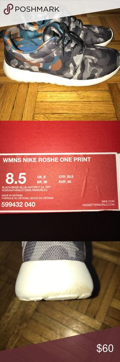 Nike Women's Roshe One Print Minimal wear, some visible dirt but can be easily cleaned Nike Shoes Sneakers