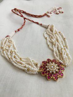 New Gold Jewellery Designs, Bead Jewellery, Pearl Jewelry, Jewelry Shop, Gold Jewelry, Fashion Jewelry, Jewelry Design, Pearl Necklace Designs, Beaded Necklace Patterns