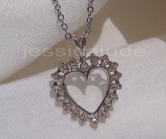 10CT WHITE GOLD & DIAMOND  PENDANT ON SS CHAIN
