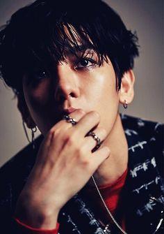 baekhyun lucky one photoshoot Baekhyun Fanart, Fanart Bts, Baekhyun Chanyeol, Jungkook Fanart, Exo Lucky One, Exo Monster, Jimin, Male Makeup, Exo Chen