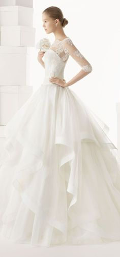 西班牙婚纱品牌Rosa Clará 2014新款婚纱礼服,婚纱设计风格依旧优雅、低调,打造淑女风范的唯美新娘