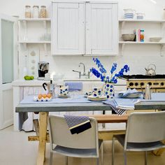 Mix-and-match country kitchen