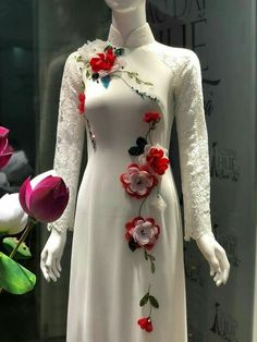 Kurti Embroidery Design, Embroidery Suits, Embroidery Fashion, Hand Embroidery, Sleeves Designs For Dresses, Dress Neck Designs, Stylish Dresses For Girls, Simple Dresses, Kurta Designs