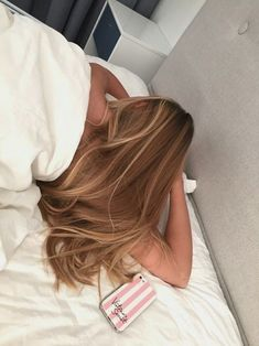 Image about hair in cheveux by myouc on We Heart It Balayage Hair, Ombre Hair, Honey Balayage, Haircolor, Bayalage, Hair Inspo, Hair Inspiration, Brown Blonde Hair, Black Hair