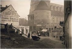 1925. Under the wall street #zagreb #oldtimes #oldpictures #20century #blacknwhite #photography #lobagolabnb