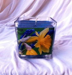 Virgo Flower Narcissus Astrology Candle by IstarAndFlameCandles