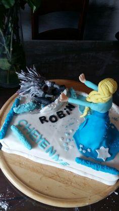 Elsa vs böser drache Elsa, Cake, Desserts, Food, Dragon, Cakes, Pie Cake, Meal, Deserts