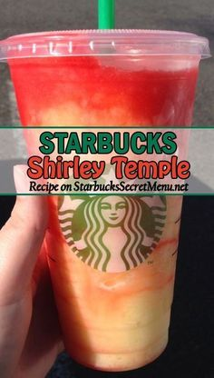 Starbucks' Shirley Temple Copycat Recipe Shirley Temples are one of the most popular mocktails out there. Learn how to order our Starbucks version here! Starbucks Hacks, Starbucks Secret Menu Drinks, Starbucks Coffee, Starbucks Smoothie, Starbucks Refreshers, Starbucks Frozen Drinks, Special Starbucks Drinks, Starbucks Strawberry Lemonade, Sweets