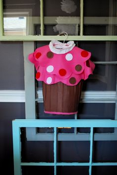 Make a No-Sew Cupcake Costume from Patrice @ Lemon Tree Creations
