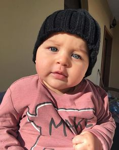 "Lukas & Jasmin 💙💖 on Instagram: ""My sweet baby 👶❤️"" Cute Little Baby, Little Babies, Cute Babies, Baby Kids, Baby Boy, Cute Kids Pics, Cute Baby Photos, Baby Pictures, Baby Fashionista"