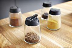 Condimentele sunt mereu pregătite să adauge un plus de savoare mâncărurilor tale. Kitchen Remodel, Ikea, Color Theory, Food, Ikea Co, Essen, Meals, Updated Kitchen, Yemek
