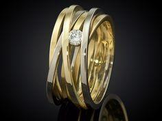 Afbeeldingsresultaat voor gouden ring 3 diamanten