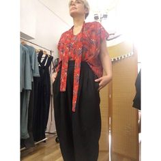 super fresh and comfy! size box fit with ties! Worn with The Gatsby Pleated Pant in Black! Pleated Pants, Vintage Cotton, Looks Great, Paisley, Size 12, Sunday, Sari, Comfy, Tees