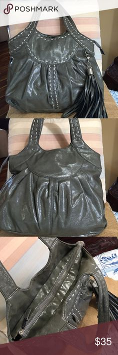 """Nicole Lee large tote satchel Wonderful the Nicole Lee satchel tote with stitching detailing zip closure when inside zipper pocket to inside slit pockets embellished with tasseldimensions are 16 I'll crossed 10 """"deep 5 """"inch bottom 8 """"handle drop Nicole lee Bags Satchels"""