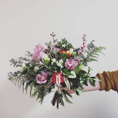 FRESH FLOWER BOUQUET F l o r a l S t y l i s t  (@pebbleanddot) how stunning is this beaut ♡♡♡ Fresh Flowers, Floral Wreath, Wreaths, Bouquets, Plants, Instagram, Home Decor, Floral Crown, Decoration Home