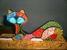 Afbeeldingsresultaat voor macetas pintadas frida kahlo y gatos Cat Crafts, Crafts To Do, Arts And Crafts, Stained Glass Projects, Stained Glass Patterns, Cat Attack, Mosaic Animals, Wood Cat, Cat Quilt