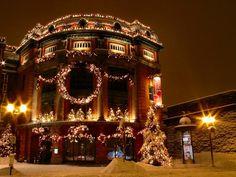 Christmas Magic in Quebec City Quebec City Christmas, German Christmas Markets, Christmas Scenes, Noel Christmas, Christmas Pictures, Winter Christmas, All Things Christmas, Christmas Lights, Xmas