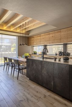 Kitchen Dinning, Kitchen Nook, Dining, Kitchen Interior, Kitchen Design, Interior Design Images, Interiores Design, House Design, Home Decor
