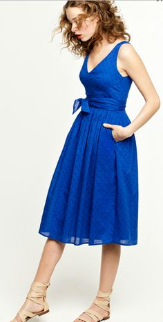 Perfect Gameday Dress - I love this style!