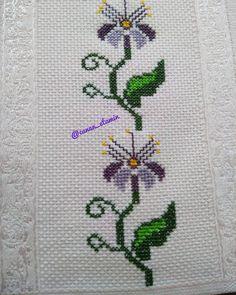 Cross Stitch Designs, Bridal Dresses, Diy And Crafts, Instagram, Cross Stitch Borders, Face Towel, Towels, Canela, Flowers