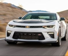 Driving The 2017 Chevrolet Camaro V-6 1LE and What We Saw. (REVIEW)