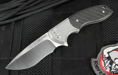Amazing every day carry tactical JV Gemini folding knife by Canada's Rod Olson and designed by Jared Van Otterlew. This folding knife has a quick opening flipper with bearing system and a blasted titanium frame. Flipper serves as an index finger guard in the open position. The knife has a button locking mechanism. The folder has a blade tip up satin finished flats and blue anodized titanium pocket clip. Lanyard hole in the handle. Black carbon fiber inlay in the handle. Smooth opening and…