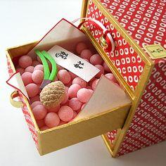 塩芳軒(しおよしけん)有平糖・落雁・干菓子「千代たんす」 Shioyoshiken - Chiyo Tansu (Sugar Candies)