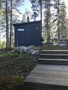 Pihasauna- ja oleskelutilakuvia - Huone1 Outdoor Sauna, Outdoor Spaces, Outdoor Decor, Deck, Cottage, Yard, Plants, Inspiration, Home Decor