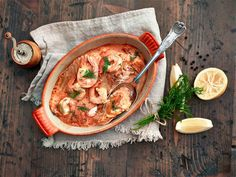 Katkarapu-uunilohi Fish And Seafood, Thai Red Curry, Food Photography, Chicken, Meat, Dinner, Ethnic Recipes, Kala, Dining