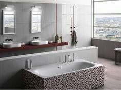 Bbadezimmer Dachschraege Klein Rustikal Fliesen Naturstein Optik Eingebauter Schrank Handtuecher  | Badezimmer Gestaltungsideen | Pinterest