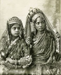 Mother and daughter India, before 1929