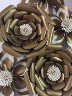 Papel flor-fondo-Prop foto stand-boda telón de Paper Flower Art, Large Paper Flowers, Paper Flower Backdrop, Big Flowers, Flower Crafts, Paper Art, Cheetah Print Party, Recycled Art Projects, Flower Wall Decor