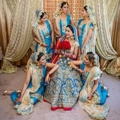 Real Life Inspirations for Co-ordinated Indian Bride and Bridesmaid Looks Indian Bridesmaid Dresses, Bridesmaid Poses, Bridesmaid Outfit, Brides And Bridesmaids, Indian Dresses, Wedding Dresses, Bridesmaid Saree, Indian Clothes, Sikh Wedding