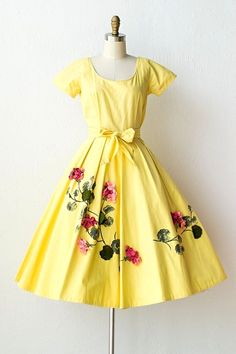 Feminine, Timeless & Vintage Inspired Clothing / ADORED VINTAGE vintage yellow dress felt flowers I would buy this dress for you Hannah if it were half the price! Sorry Sweetie! Fashion Mode, Retro Fashion, Vintage Fashion, Womens Fashion, Modest Fashion, 1950s Fashion Dresses, Fashion Outfits, Lolita Fashion, Ladies Fashion