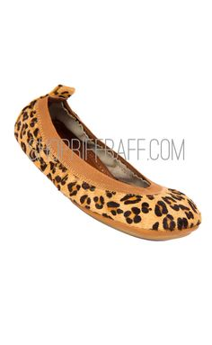 Size 4/5, 9, 8, 7, 6, 11, 10.  #shoes #flats #slippers #slipons #yosi