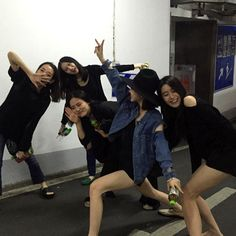 Find images and videos about friends, korean and asian on We Heart It - the app to get lost in what you love. Best Friend Pictures, Friend Photos, Bff Goals, Best Friend Goals, Ulzzang Couple, Ulzzang Girl, Ulzzang Style, Friends Korean, Korean Couple