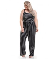 Macacão Listrado Preto Miss Masy Plus - Miss Masy Plus Looks Plus Size, Moda Plus Size, Plus Size Outfits, Jumpsuit, Vertical, Hot, Pants, Dresses, Products