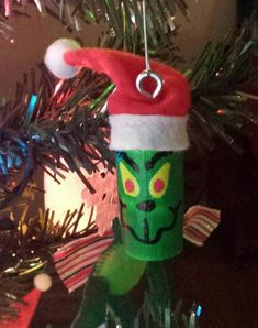 Speelgoedpop the packages of grape, but save the corks to develop these fun wine cork handicrafts. Grinch Ornaments, Wine Cork Ornaments, Ornament Crafts, Diy Christmas Ornaments, Holiday Crafts, Ornament Tree, Christmas Decor, Ornaments Image, Painted Ornaments