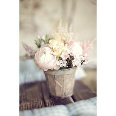 Style Me Pretty ❤ liked on Polyvore featuring backgrounds, flowers, pictures, fashion pics and photos