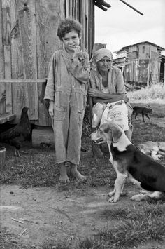White Sharecroppers in Mississippi | Wife and child of sharecropper, Tangipahoa Parish, Louisiana, 1935