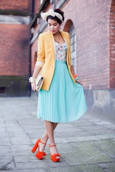 Mint paired with orange shoes...love it!