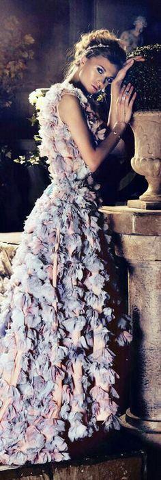 Tiers of luscious lilac Color Of The Year 2017 Pantone, Pantone Color, Pink Blue, Lilac, Mauve, Lavender, Rose Quartz Serenity, Glamour, Frou Frou