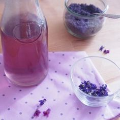 Domácí fialkový sirup Preserves, Food And Drink, Pudding, Yummy Food, Drinks, Cooking, Desserts, Dna, Smoothie